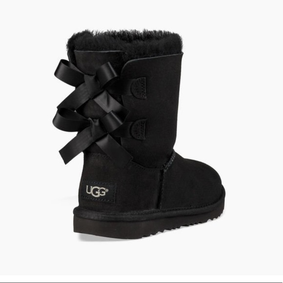 Size 6 Black Ugg Boots With Bows   Poshmark